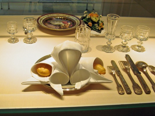 Dinner service - now, porcelain on silver chargers