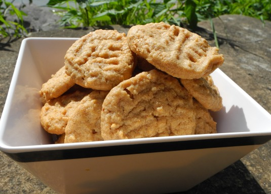 Will makes peanut butter cookies - just 3 ingredients