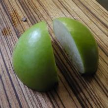 Slicing apples